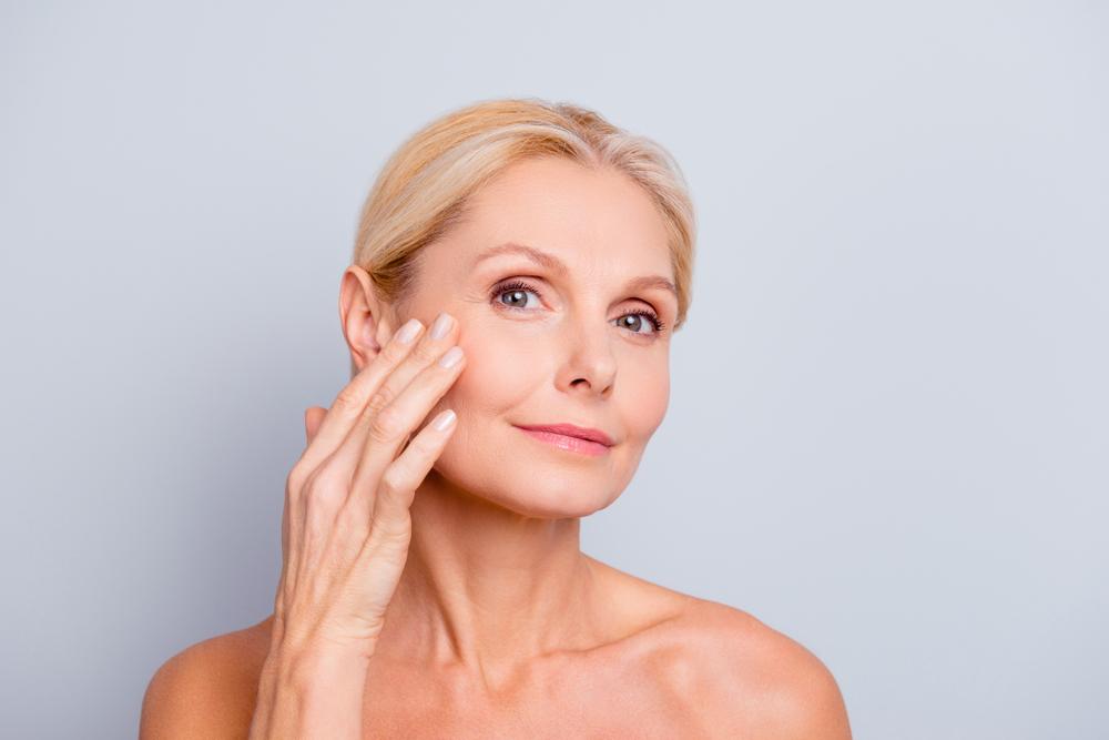 rutina cuidado piel mujer 50